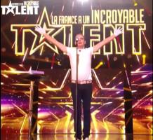 Louÿs de Belleville en demi-finale de la France a un Incroyable Talent obtient le golden buzzer de Philippe Katerine le 3 décembre 2019